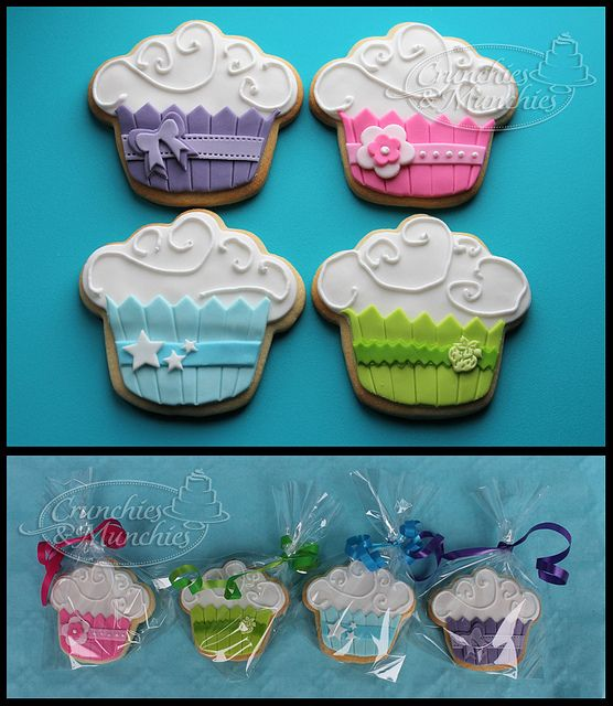 cupcake cookies using fondant and royal icing? Man, they would take long to decorate!