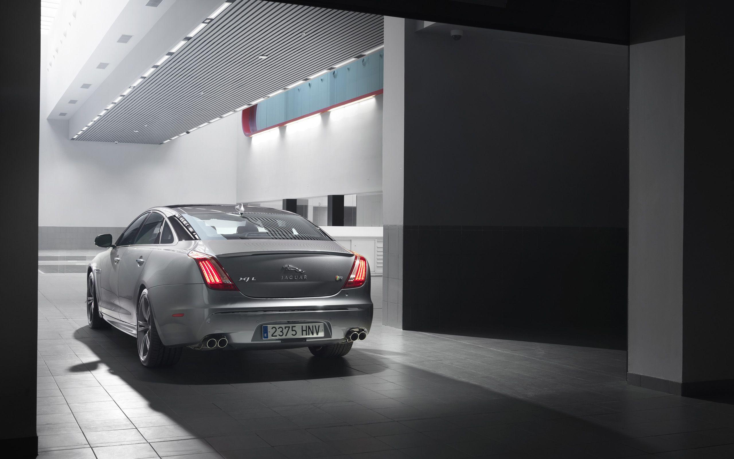 2013-Jaguar-XJR-Static-5-2560x1600.jpg (2560×1600)