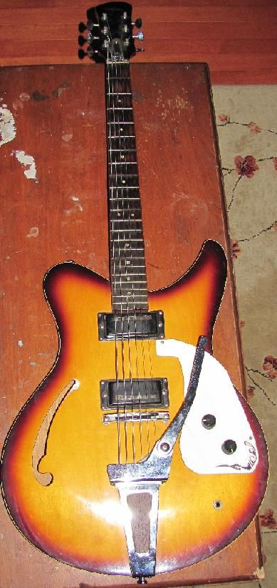 This Is A Japanese Yamaha Guitar Super Light Weight Hollow Body With Neat Rusty Old Pickups My Wife Bought It For Me At A Yard Yamaha Guitar Guitar Yamaha