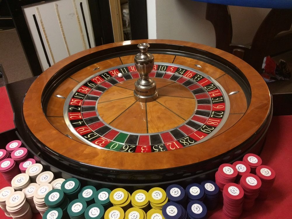 Good condition Cammegh roulette wheel, highest quality