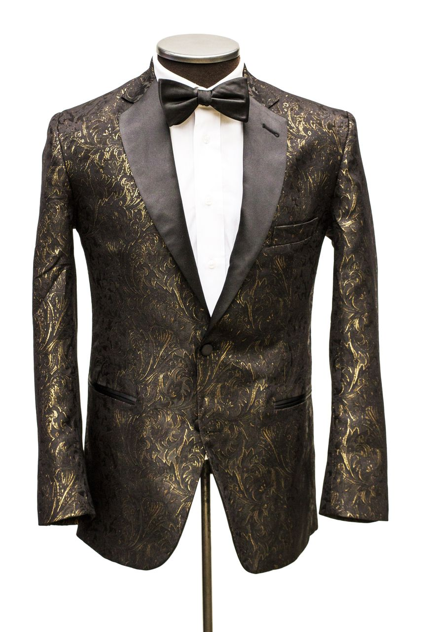 The contrasting solid black shawl style lapel adds visual interest to this dashing black and gold plaid tuxedo jacket. It is a lightweight and versatile garment that resists stains and fading. This, therefore, makes it a perfect choice for year-round formal functions.