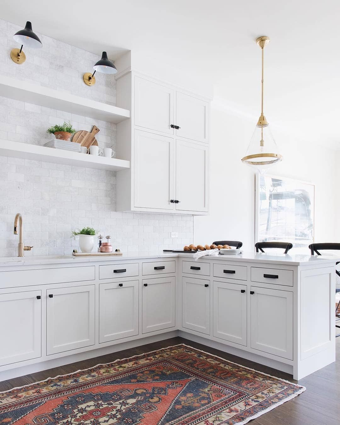 White Kitchen With Aerin Sconces And Vintage Style Kilim Rug Home Decor Kitchen Kitchen Plans Kitchen Style