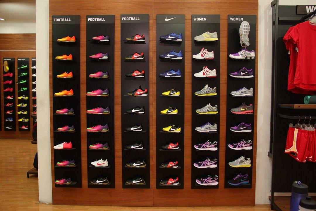Elite Sport Nivel 2 Teléfono 24708382 Tienda De Artículos Ropa Accesorios Zapatos Deportivos Lojas De óculos Loja De Tenis Loja Calçados