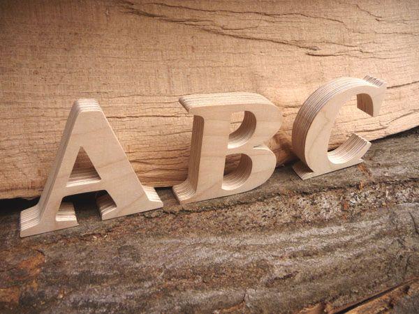 Edle Holzbuchstaben zum Aufstellen aus 15 mm Birke