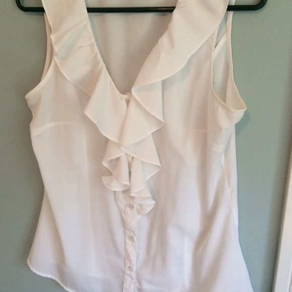 a9337647fd5b6 Banana Republic Blouse White M Reposhing because it doesn t fit. No holes  stains