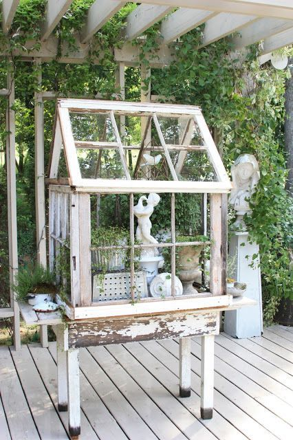 25 Awesome DIY Ideas & Tutorials to Repurpose Old Windows