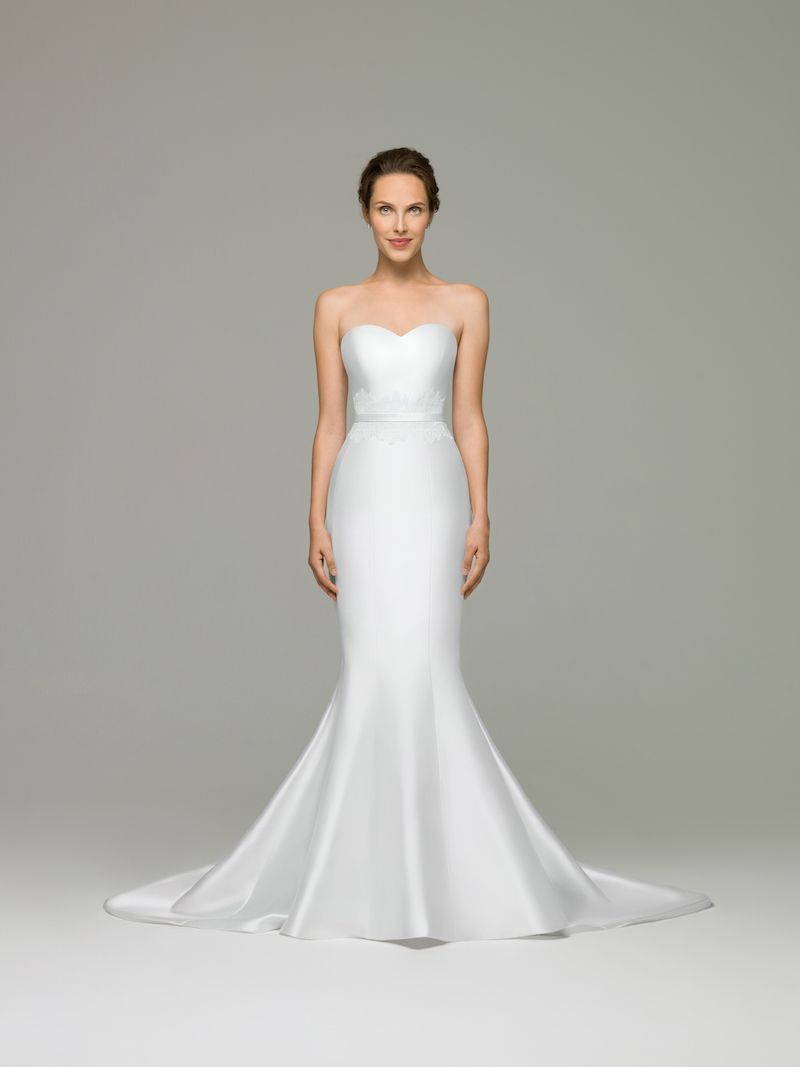 Tulip Wedding Dress An Effortlessly Elegant Mermaid This Gown Is Made With The Rich Mikado Fabric A Sweetheart Neckline And Panels That