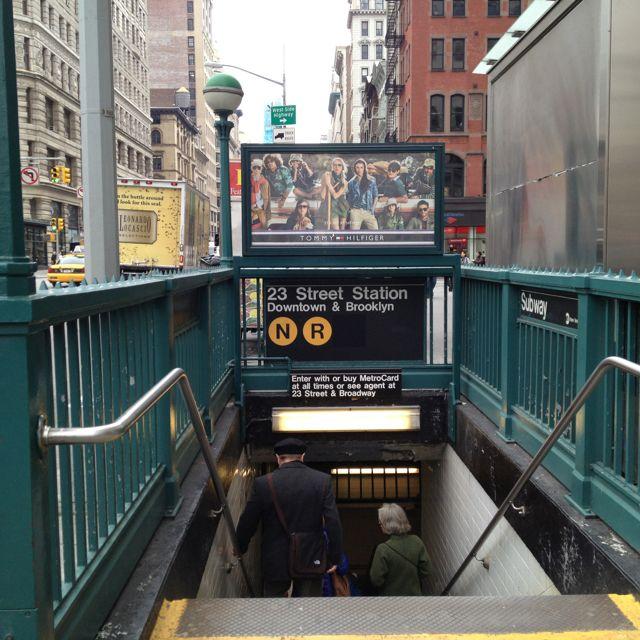 Subway Entrance New York Subway New York Travel Nyc Subway