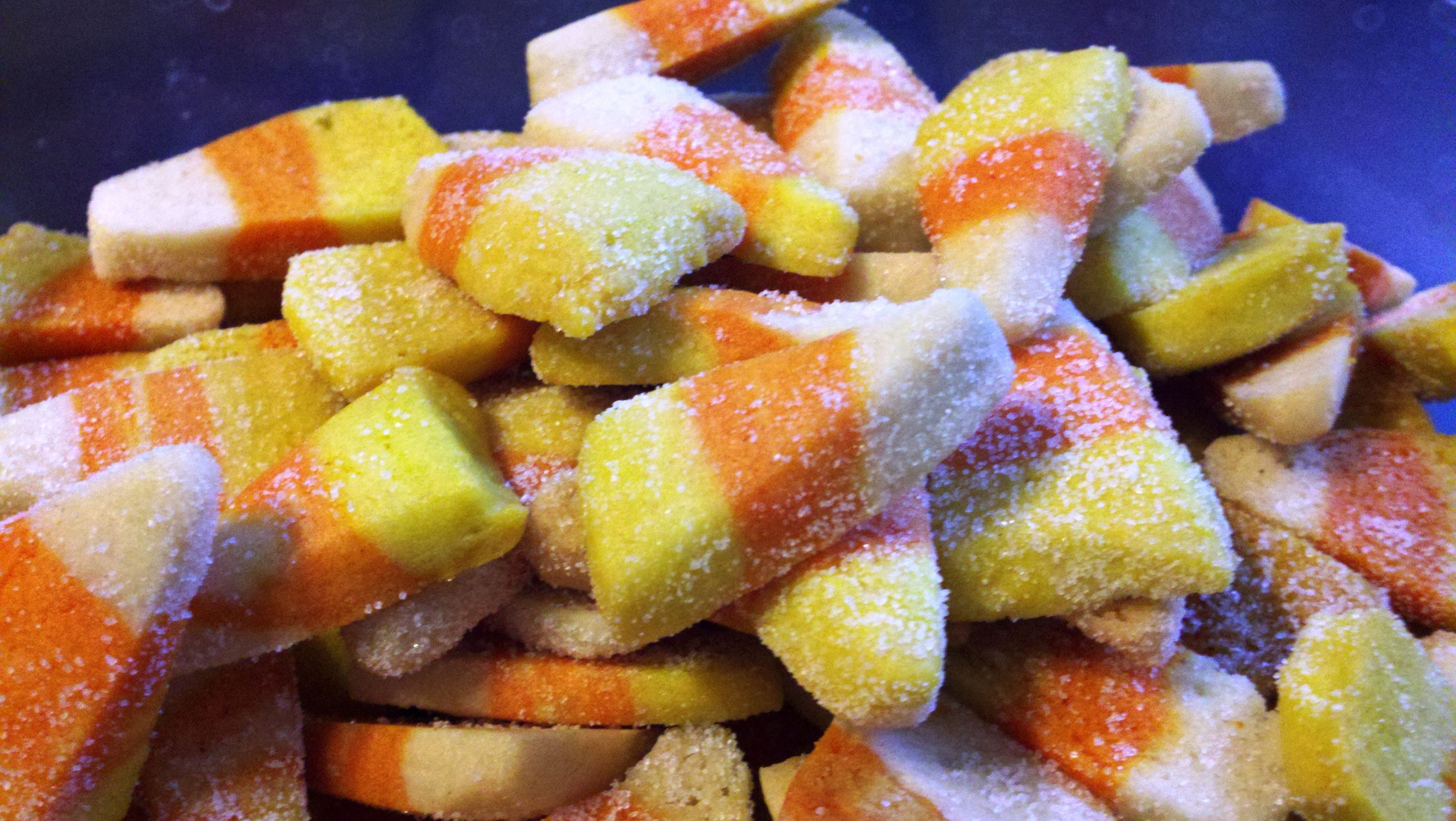 Candy Corn COOKIES for #Halloween #candycorncookies Candy Corn COOKIES for #Halloween #candycorncookies
