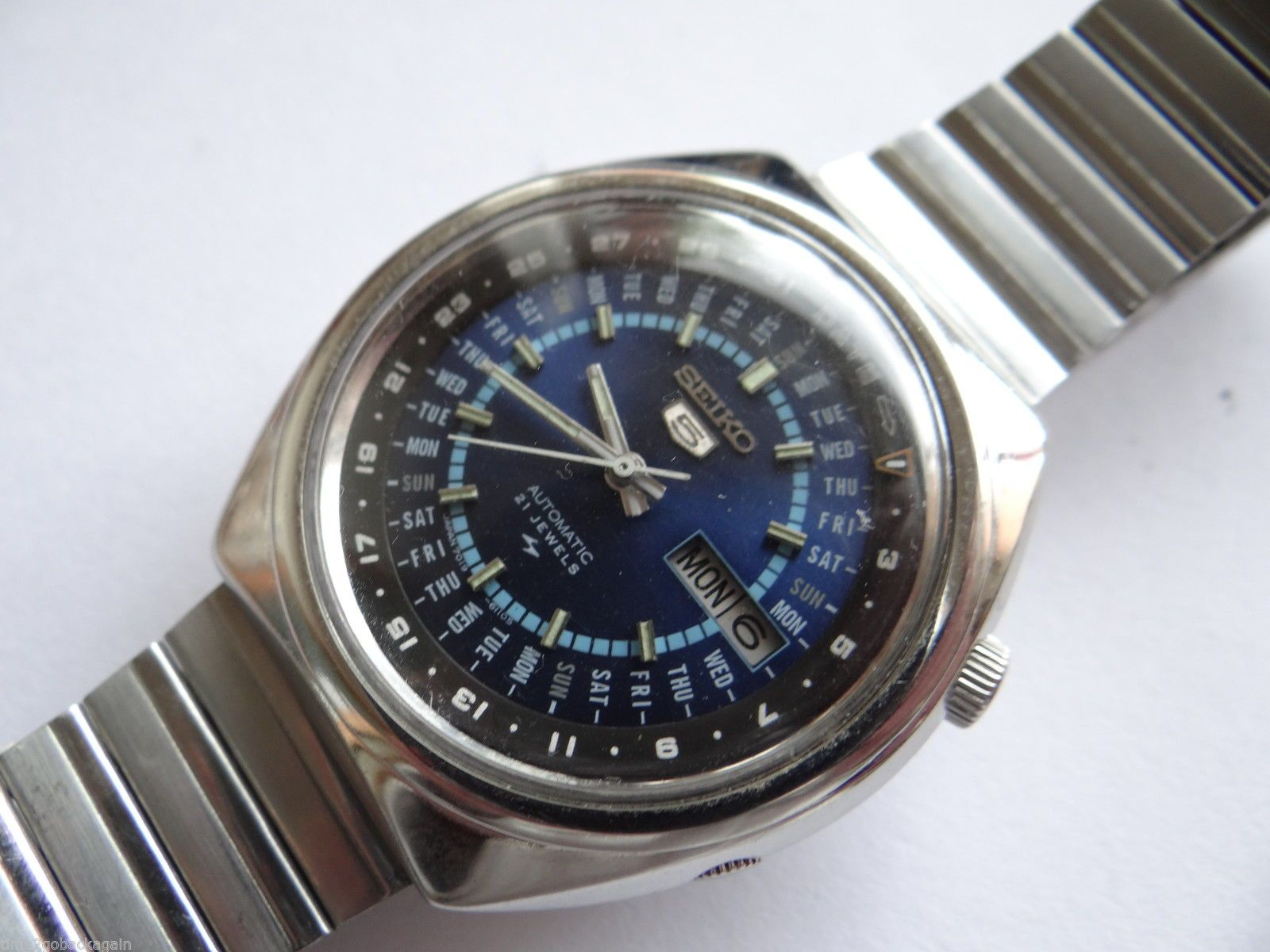 Rare Vintage Seiko 5 Perpetual Calendar Automatic Watch 7019 6070