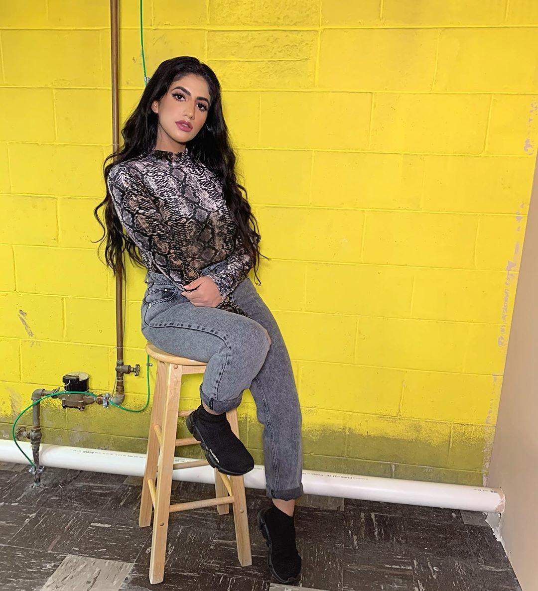 نور ستارز Noor Stars On Instagram What If I Told You That I Love You اشتقتلكم صارلي اسبوع مريضة كتير بعد عملية Clothes Fashion Leather Pants