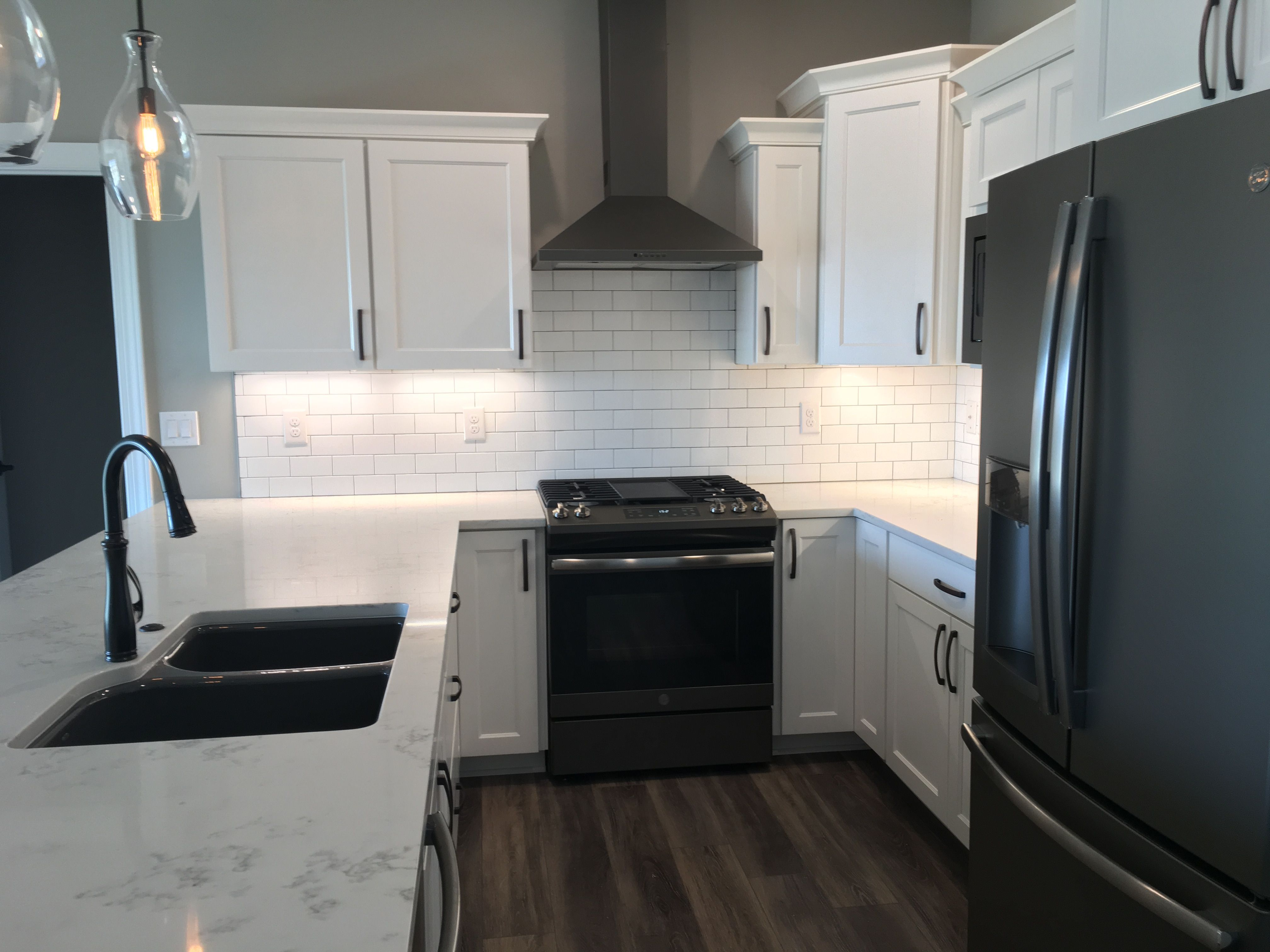 White Kitchen with Slate Appliances in 2020 | Black ...