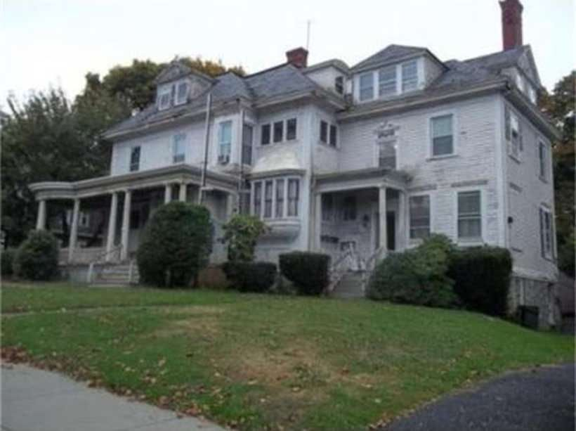 Highlands Victorian With Loads Of Detail Needs To Be Rehabbed To Make It Spectacular It Is Listed With The Assess Old House Dreams Victorian Homes Old Houses