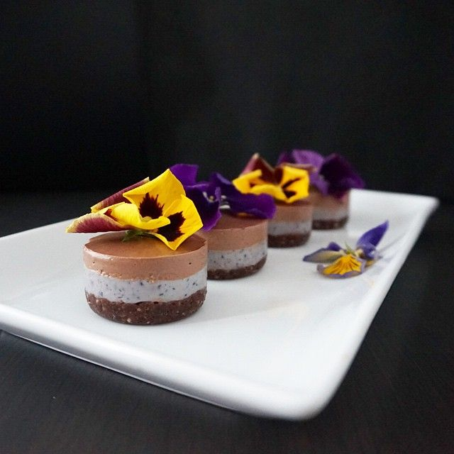 Mini raw lavender & chocolate cheesecakes look very delicious!