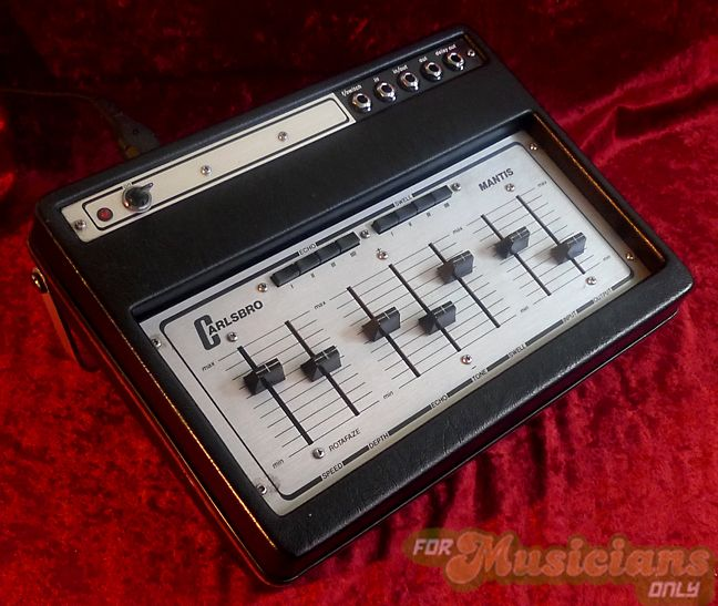 carlsbro mantis analog echo delay just press a button and zing you 39 re off vintage guitars. Black Bedroom Furniture Sets. Home Design Ideas