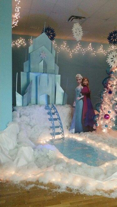 Frozen stage decor  Disney frozen birthday party, Frozen
