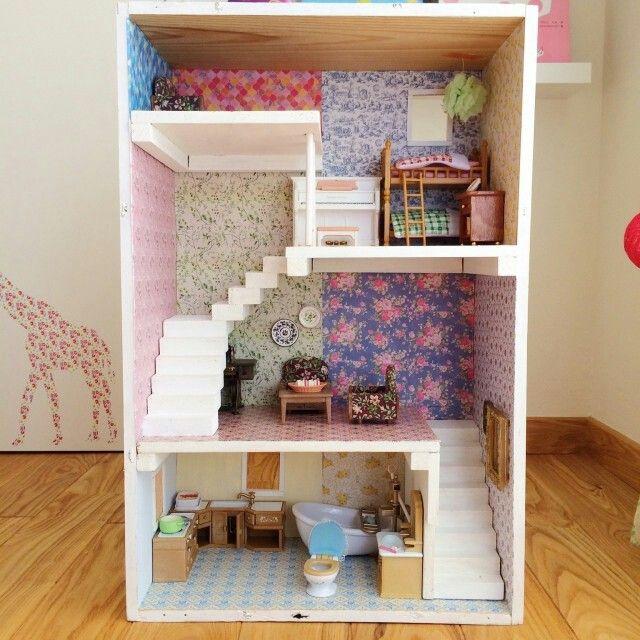 Masking Tape On The Wall Of Mini House ミニチュア ドールハウス インテリア 家具 シルバニアファミリー