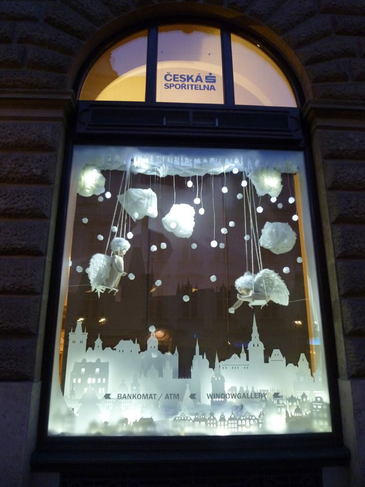 Interactive Christmas Window Display By Wellen Prague Design - Beautiful painted window silhouettes interact outside world