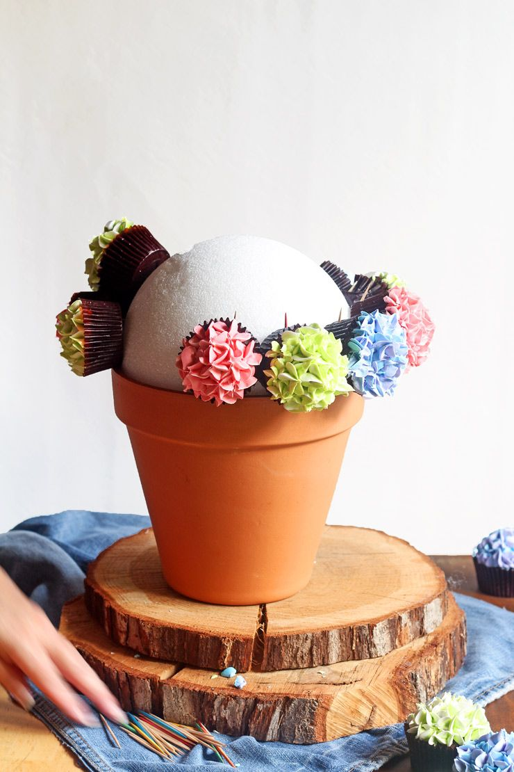 How To Make A Cupcake Bouquet With Video Party Ideas Pinterest