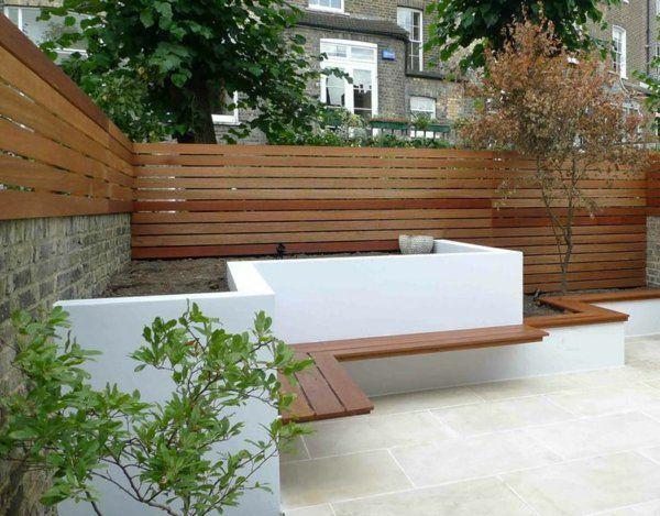 zeitgenössischer garten holzmauer sichtschutz sitzbank | terrasse,