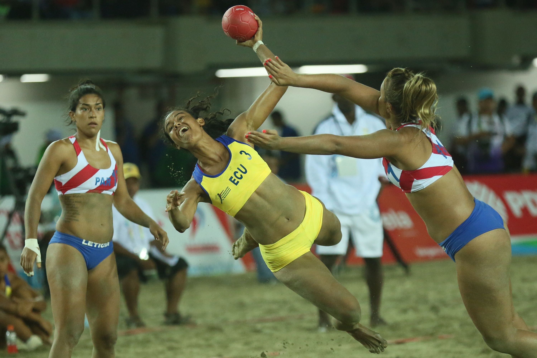 Paraguay logra tercer lugar en Balonmano femenino de playa. (Foto: AVN)