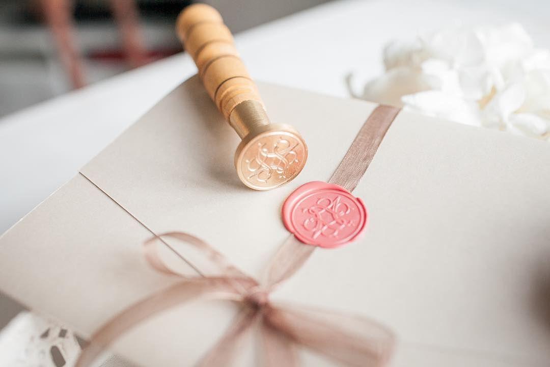 протяжении печать пригласительные для свадьбы его составе вещество