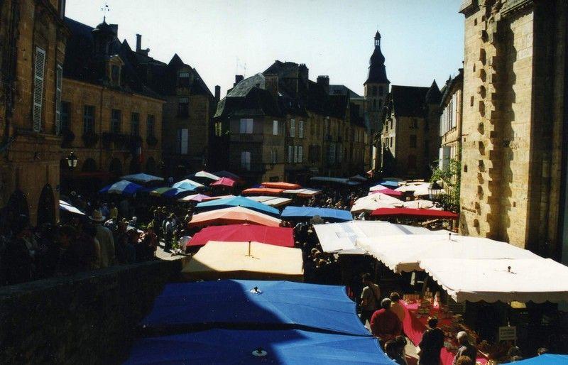 Marché de Sarlat-la-caneda (24) Dordogne