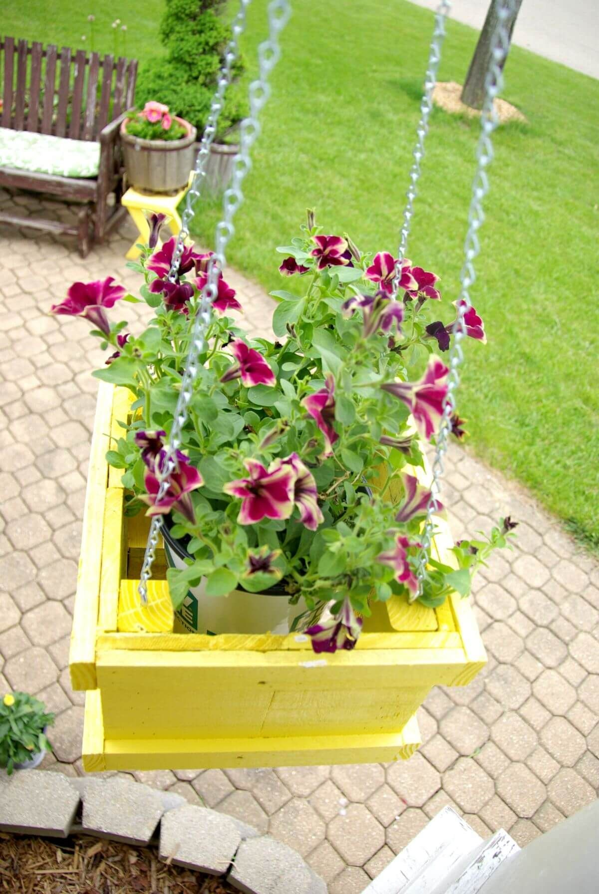 32 Diy Pallet And Wood Planter Box Ideas For Your Garden 400 x 300