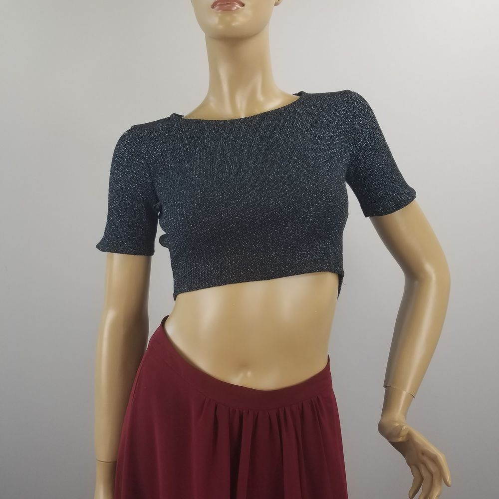 0ec96d25b96ce New Black Crop Knit Top Silver Shimmer Cut Out Back Missguided Sz 2 Made In  UK  Missguided  CropTop  Party