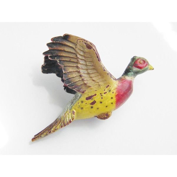 Vintage Folk Art Wood Hand Carved Painted Bird Brooch 1940s (89 ILS) ❤ liked on Polyvore featuring jewelry, brooches, vintage jewellery, carved jewelry, vintage jewelry, wooden jewelry and wood carved jewelry