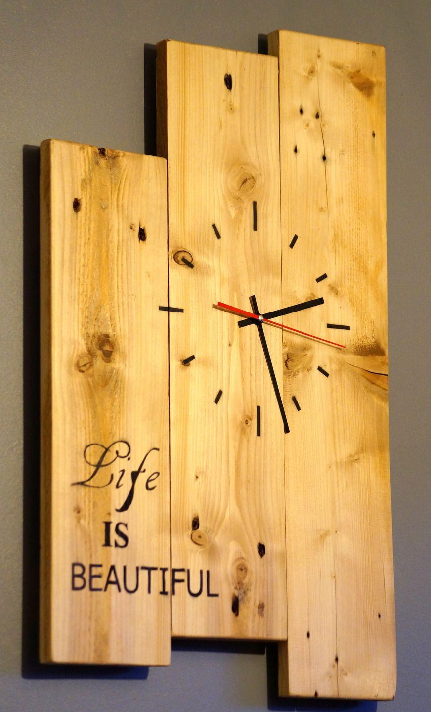 grande horloge en bois de palette revaloris d corations murales par bazar a bidules id es. Black Bedroom Furniture Sets. Home Design Ideas