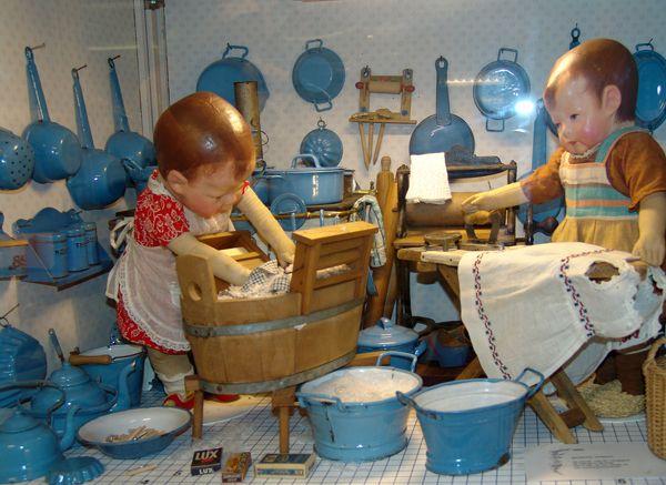Laundry Dollhouse Girls Doing Laundry K 228 The Kruse Poppen