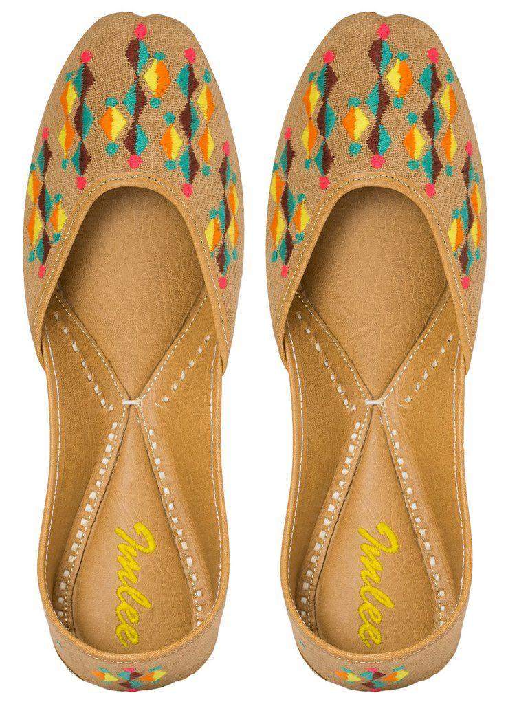 Beige Embroidered Leatherette Mojari