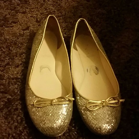 Enzo Angiolin glitter flat shoe Enzo Angiolin  glitter flat shoe nice  shoe good condition Enzo Angiolini Shoes Flats & Loafers