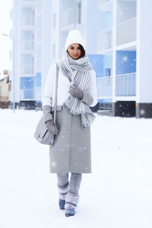 Women\'s Grey Coat, Grey Skinny Jeans, Grey Uggs, Grey Leather ...