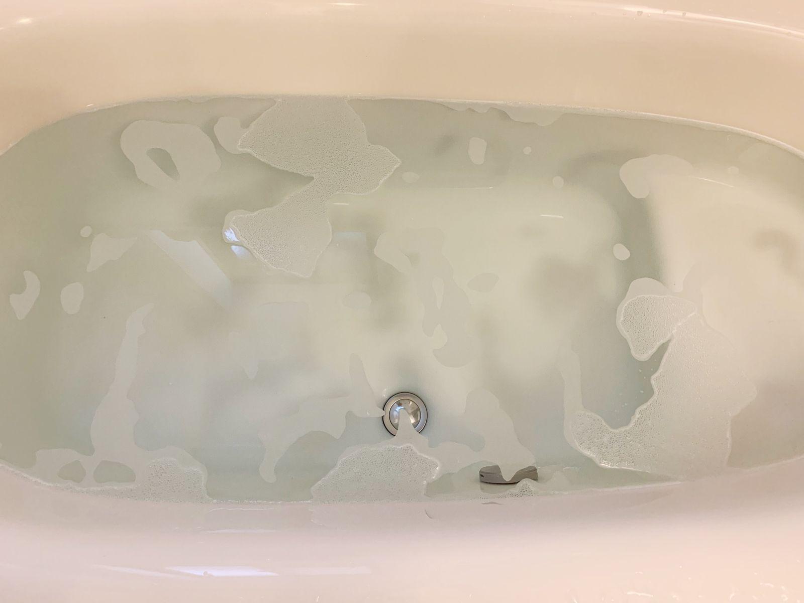 オキシクリーンでお風呂を丸ごと掃除 オキシ漬けして放置するだけ