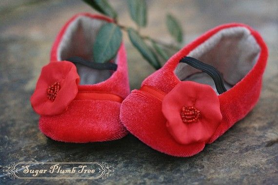 Red velvet baby shoes   Baby shoes