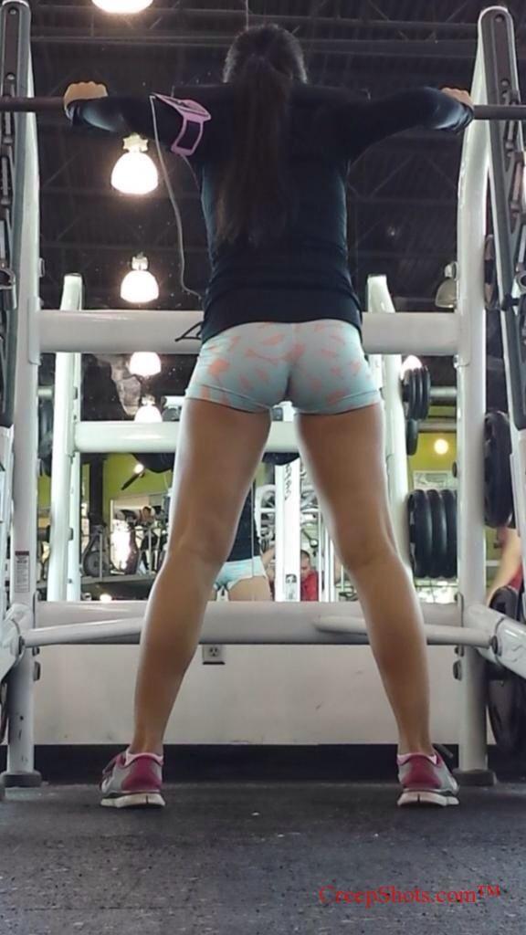 Butt candid gym girl #6
