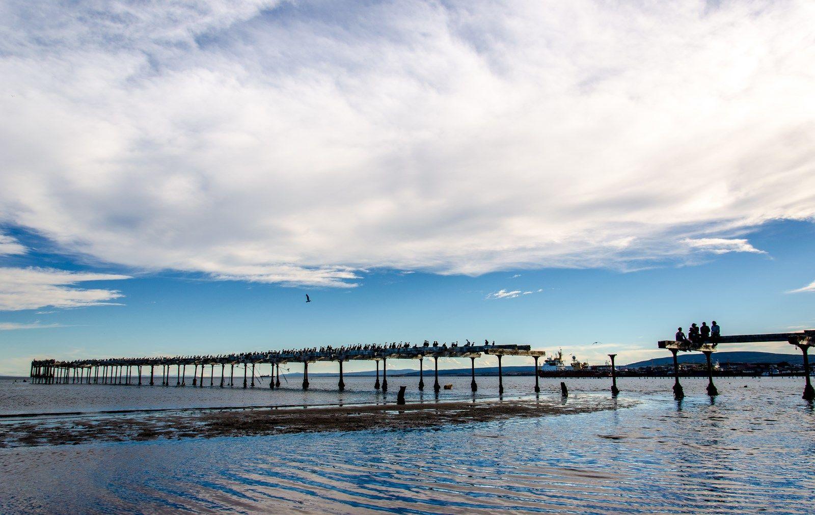 Antoiguo Muelle en Costanera del Estrecho, Punta Arenas, Magallanes