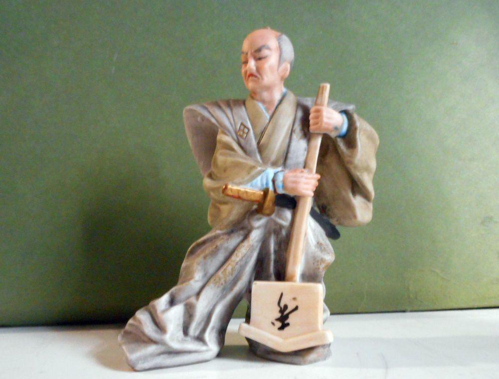 Statuina in porcellana biscuit samurai giapponese da for Samurai torino
