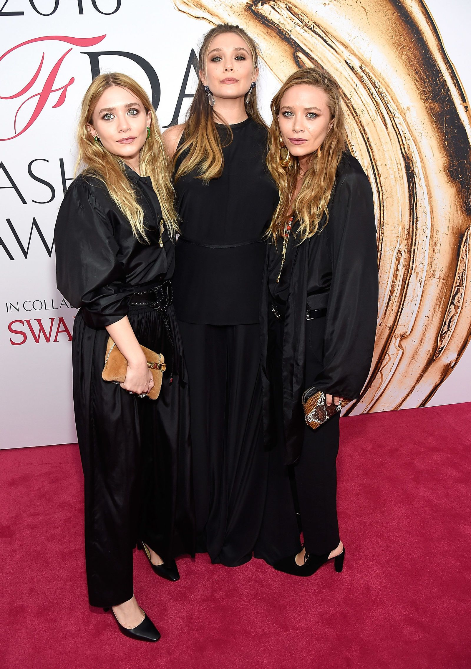 Here Are The Three Olsens Sisters Grinning Fashion Nice Dresses Ashley Olsen Style