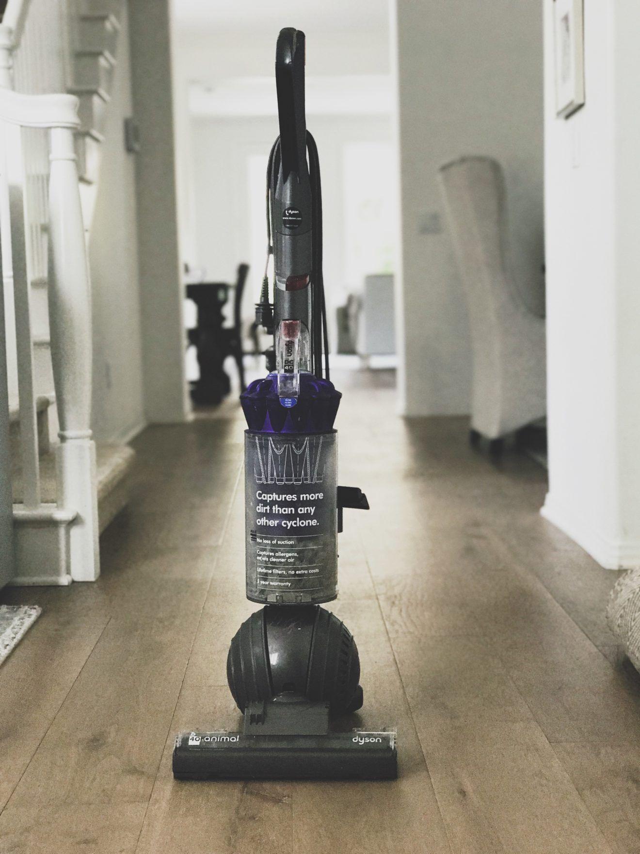 SUPER good Dyson deal! Best vacuum, Best black friday