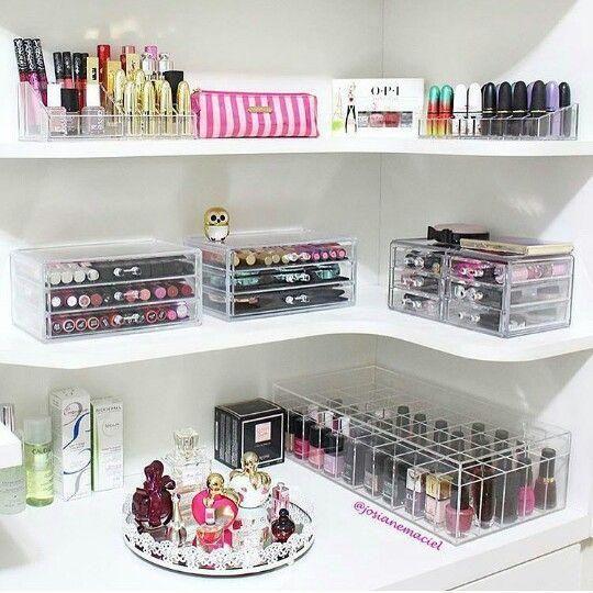 Decoracion De Espacios De Arreglo Personal Decoracion Beauty Room Make Up Storage Makeup Rooms