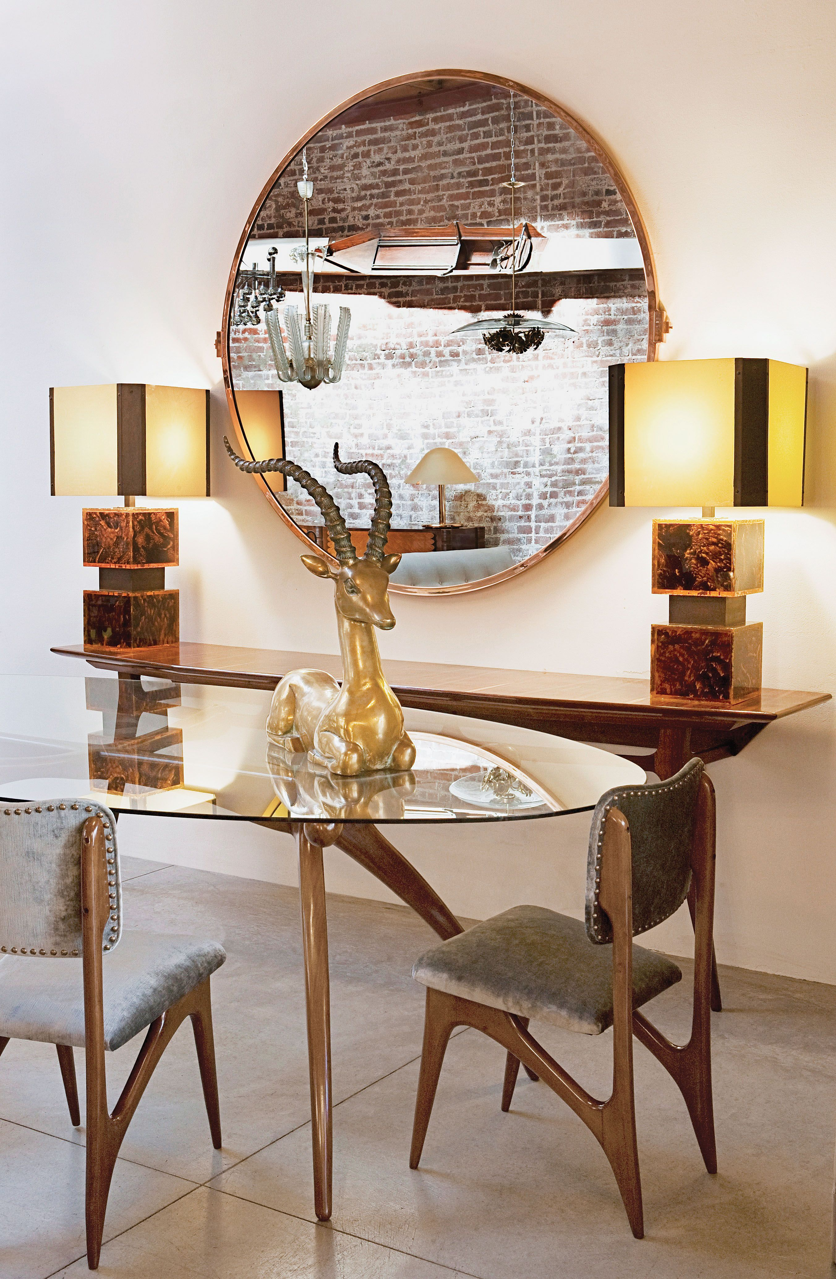 With A Location In The Heart Of Pasadena And A Los Angeles Outpost Opened  In Adesso Eclectic Imports Features Vintage Furniture And Home Décor Items  From ...