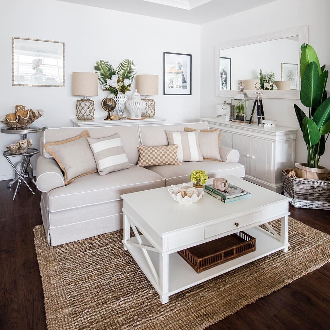 stunning east hampton living room design | Pin by mary kirbos on hamptonshomes in 2019 | Hamptons ...