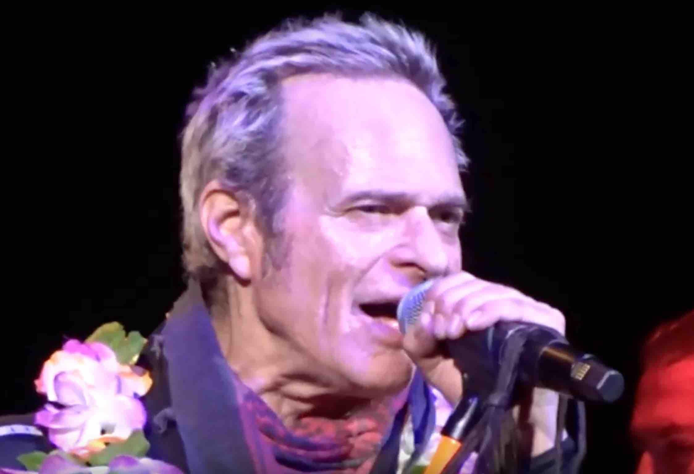 David Lee Roth Announces New Singer To Van Halen Fans In 2020 Van Halen David Lee Roth Singer