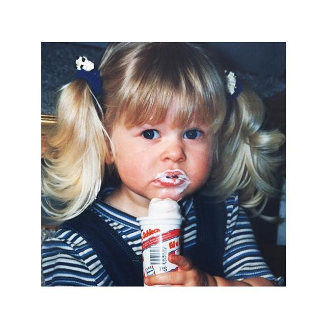 Heute so: Mini-me Moment. Ed von Schleck und Streifen oder Geschmack kann man nicht kaufen, den hat man. ✋#edvonschleck #minime #todaysstripes #ootd #blonde #littlegirl #cute #icecream #yummiinmytummy #stripes