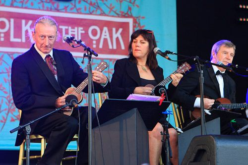 The Ukulele Orchestra Of Great Britain  Folk by the Oak 2012