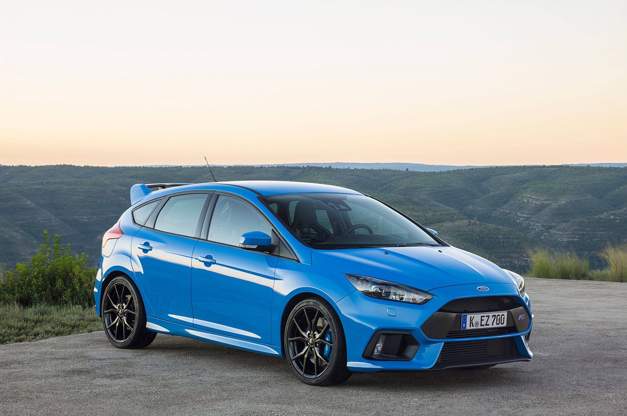 2016 Ford Focus Rs Confused About What To Buy Call 1 800 Car Show For A Product Specialists Who Will Help You For Free 3 Ford Focus Rs Ford Focus Focus Rs