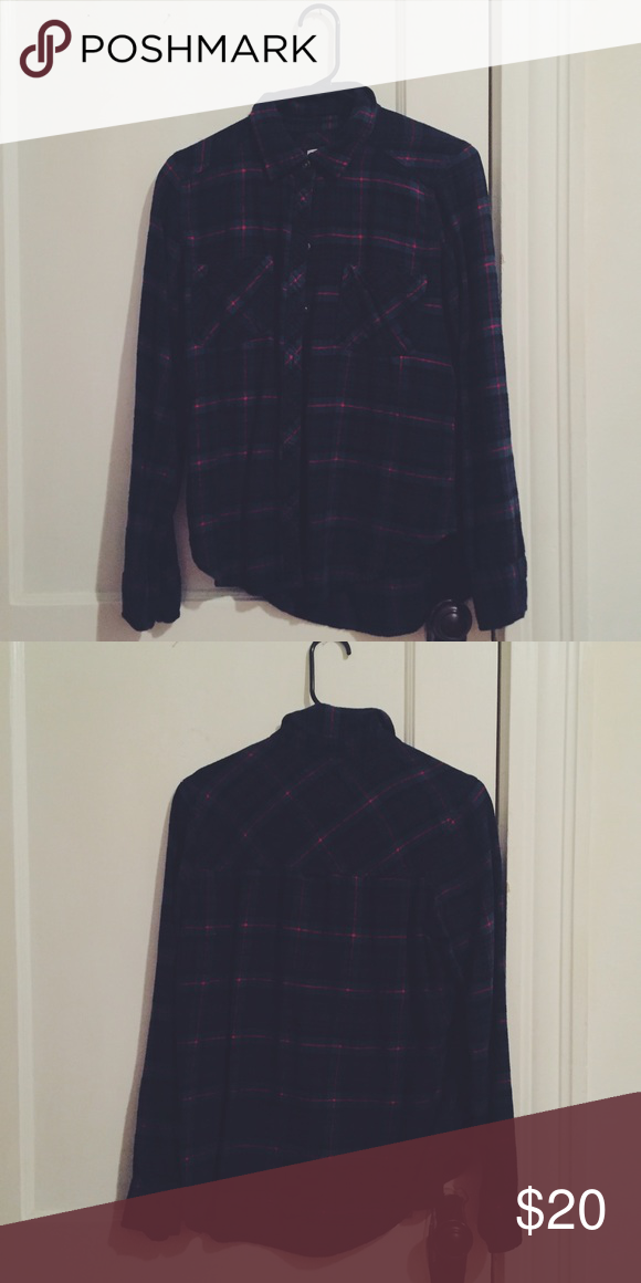 ABERCROMBIE PLAID FLANNEL super cute flannel, more fitted than a loose flannel Abercrombie & Fitch Tops Button Down Shirts